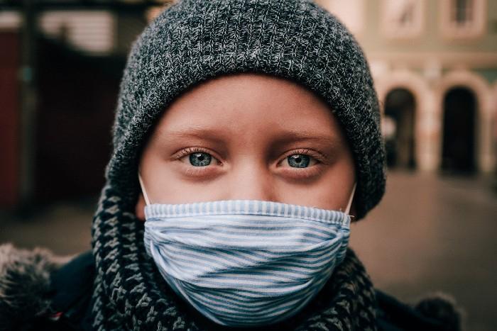 Kdy použít roušku a kdy respirátor