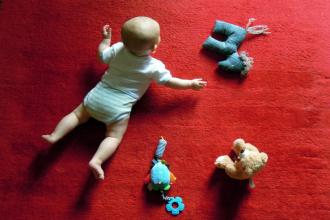 Maminkou: Dětská pokožka a vhodná kosmetika
