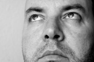 Výplach nosu: účinná alternativa při prevenci a mírnění příznaků rýmy a nachlazení