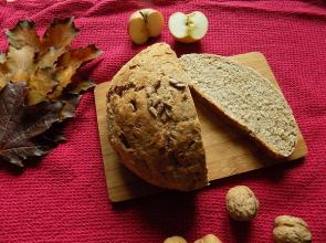 Zdravé vaření: Doma pečený chléb a tipy na pomazánky k němu